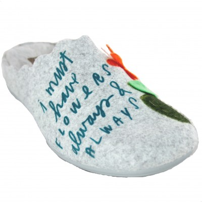 Vulcabicha 4383 - Outdoor Women's Slippers in Felt with Embossed Flowers and Soft and Warm Interior