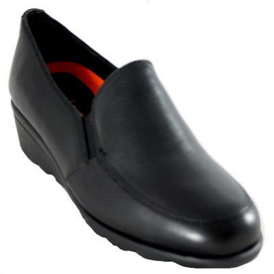 Doctor Cutillas 60306 - Very Soft Black Leather Classic Shoes with Wedge and Side Rubber