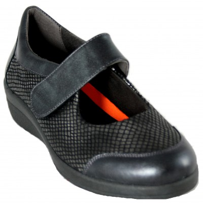 Doctor Cutillas 43505 - Mary Janes Black Leather Shoes And Special Wide Snake Engraving Removable Insole