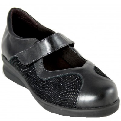 Doctor Cutillas 54353 - Mary Janes in black leather and special width engraving with removable insole