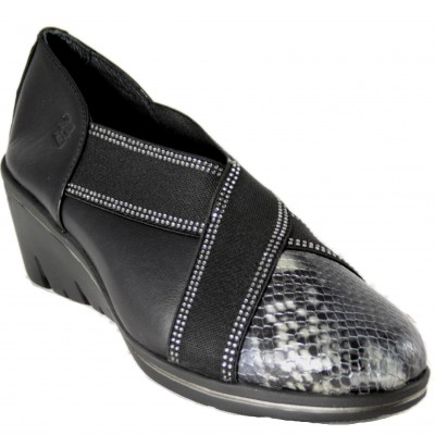 24 Hours 24707 - Wedge and leather shoes with snake engraving and black smooth with side rubbers with brilliants